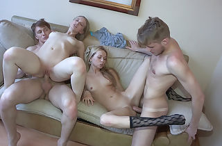 Teenagers penetrate and shoot it on webcam